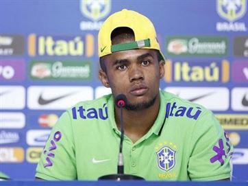 Bayern de Munique anuncia que Douglas Costa está fora da Rio 2016