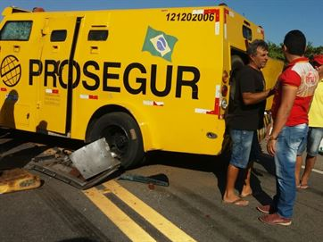 Homens Fortemente armados assaltam Carro forte na Zona Rural de Paulista/PB