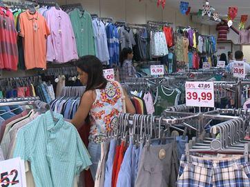 Namorados devem ter atenção com presentes para evitar gastos; Veja dicas de economia