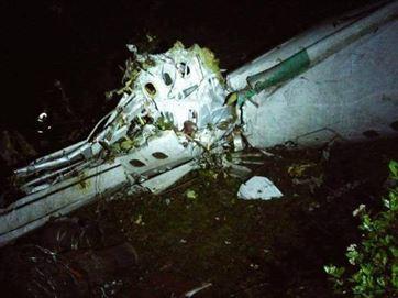 Avião com delegação da Chapecoense cai e Polícia confirma mais de 70 mortes; Veja!