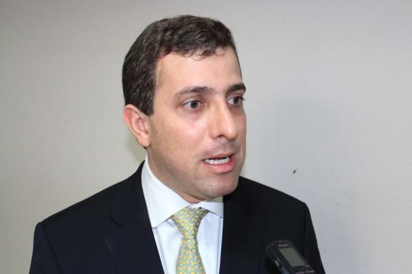 Gervásio Maia anuncia que pretende ser candidato a deputado federal
