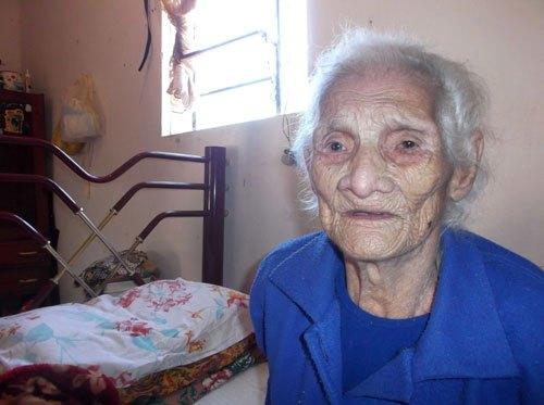 Idosa com 120 anos teve aposentadoria por 'ser velha demais'