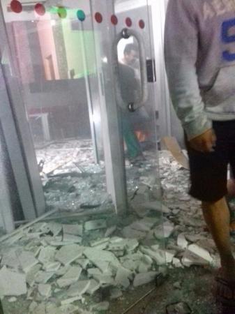 Bandidos fortemente armados invadem Belém-PB na madrugada deste sábado e explodem agências bancárias