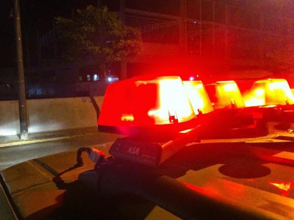 Bandidos assaltam igreja, sequestram fiéis e trocam tiros com a polícia na PB