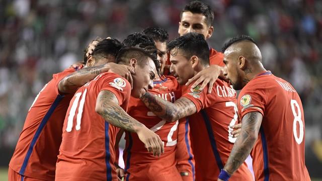 Ritmo intenso: Chile domina e atropela o México e embala para as semifinais