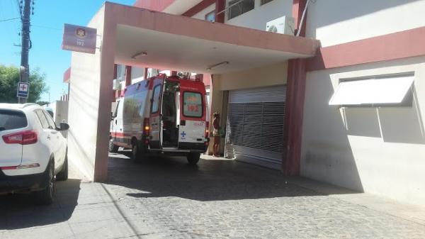 Casal fica ferido em capotamento de veículo no Vale do Piancó; Veja!