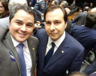 Efraim filho aponta Rodrigo Maia como nome forte para presidência
