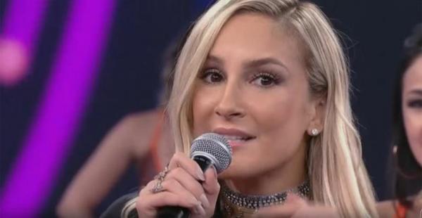 Claudia Leitte lamenta ter show cancelado na cidade de Patos