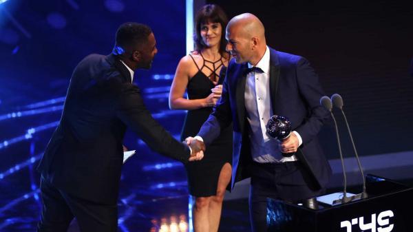 Zidane é eleito pela FIFA o melhor treinador do Mundo