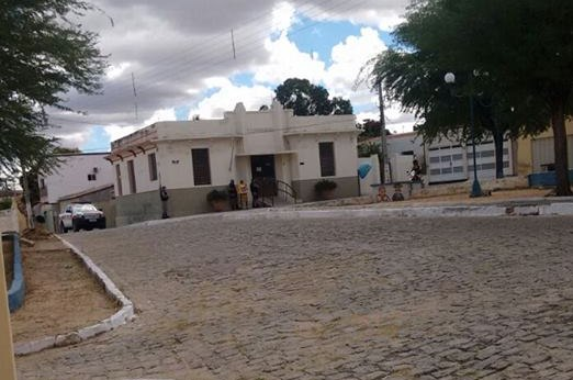 Trio assalta agência dos Correios na cidade de Piancó na Paraíba