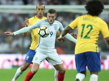Brasil empata sem gols com Inglaterra no último amistoso do ano