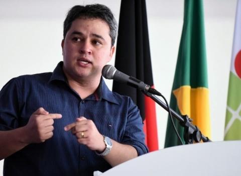 Efraim comemora licitação para construção de IFPB em Santa Luzia