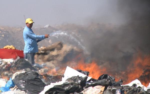Incêndio atinge lixão de Patos, no Sertão da Paraíba