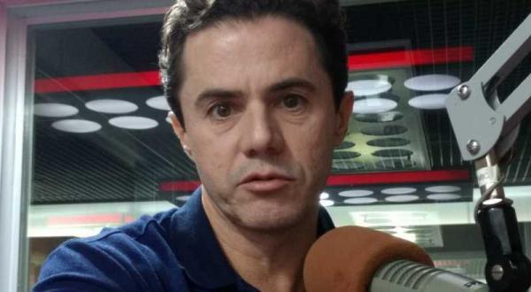 """Vené reafirma apoio a RC e lamenta competência de Romero para """"fechar"""" comunicação"""