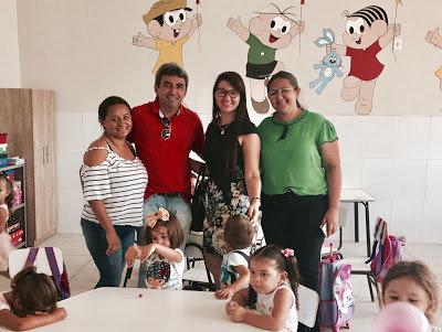 Prefeito Valmar visita Creches Municipais no primeiro dia de aula em Paulista