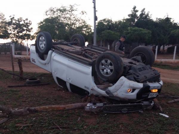 Após ser roubado, carro de luxo é encontrado capotado na região de Pombal: Polícia investiga o caso