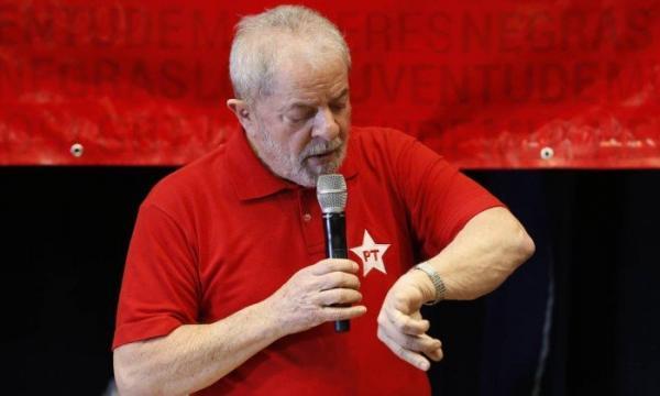 PT já discute estratégias em caso de prisão de Lula prevista para março