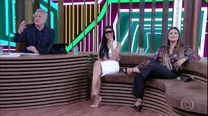 Simone implica com Simaria e faz platéia rir muito - Conversa com Bial